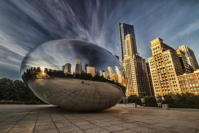 Interesting Clouds Wrapped Around Chicago's Cloudgate Art Print by Sven Brogren