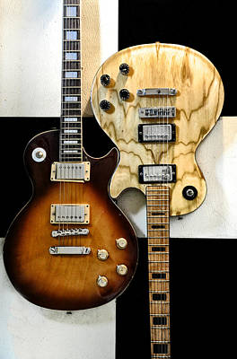 Interlocking Digital Art - Interlocking Guitars - Les Paul by Bill Cannon
