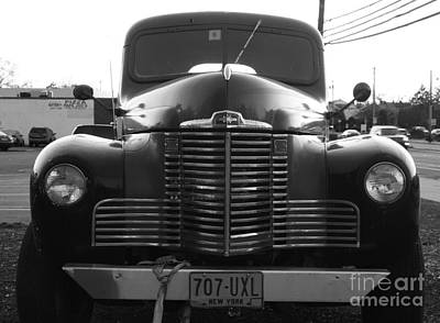 Photograph - International Eb-2 Grill In Black And White by John Telfer