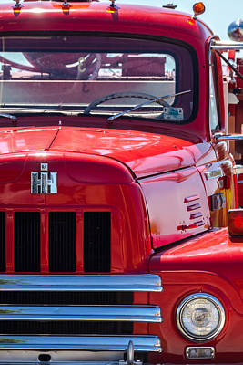 Photograph - International Harvester R-185 by Ed Gleichman