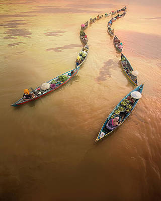 Paddling Photograph - Into The Light by Fauzan Maududdin