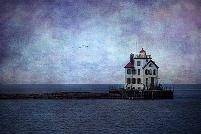 Lighthouse Digital Art - Into The Night by Dale Kincaid