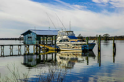 Photograph - Intracoastal Waterway Boat House by Ed Roberts