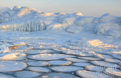 Photograph - Intriguing Ice by Charline Xia