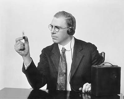 Electronics Photograph - Inventor Earl C. Hanson by Underwood Archives