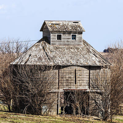 Photograph - Iowa Concrete Corncrib by Edward Peterson