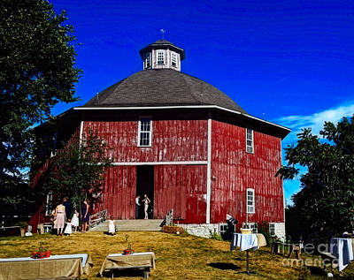 Photograph - Iowa Wedding Barn by Luther Fine Art