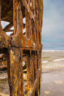 Peter Iredale Photograph - Iredale by Tara Friedt