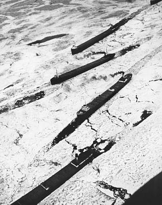 Ore Photograph - Iron Ore Boats Stuck In Ice by Underwood Archives