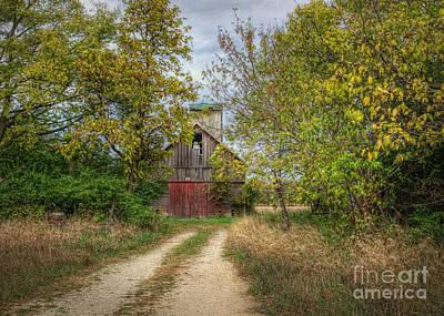 Gravel Road Photograph - Isaacs Old Barn by Pamela Baker