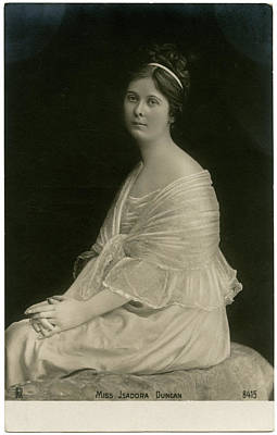 Isadora Duncan Photograph - Isadora Duncan (1878 - 1927), American by Mary Evans Picture Library