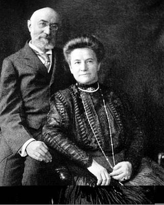 Strau Photograph - Isidor And Ida Straus, Titanic Victims by Science Photo Library
