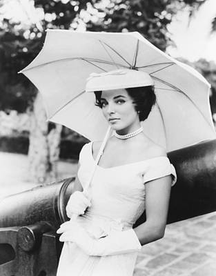 1957 Movies Photograph - Island In The Sun, Joan Collins, 1957 by Everett