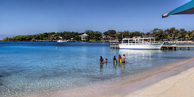 Photograph - Island Of Roatan by Gordon Engebretson