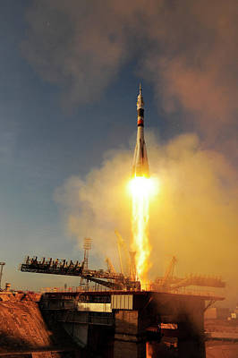 Kazakhstan Photograph - Iss Expedition 46 Launching by Esa�s. Corvaja