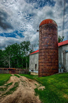 Photograph - Italianate Barn And Silo by Gene Sherrill