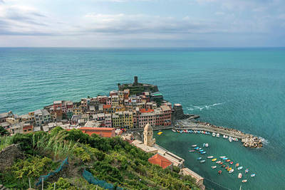 Vernazza Photograph - Italy, Cinque Terre, Vernazza (large by Rob Tilley