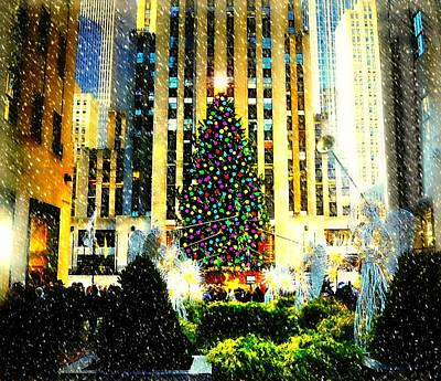 Photograph - It's Looking Like Christmas by Diana Angstadt