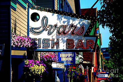 Animals Royalty-Free and Rights-Managed Images - Ivars Fish Bar in Seattle by Catherine Sherman