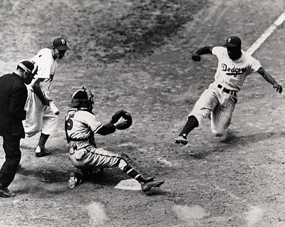 Jackie Robinson In Action Print by Gianfranco Weiss