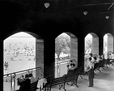 Photograph - Jackson Park Beach Spectators by Underwood Archives