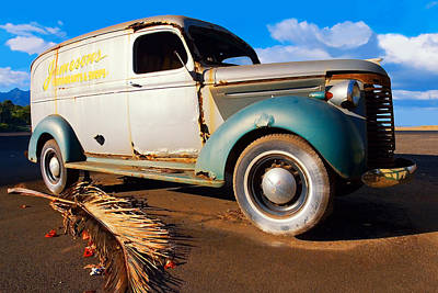 Haleiwa Digital Art - Jamesons Truck by Ron Regalado