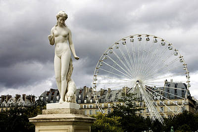 Photograph - Jardin Des Tuileries by Fabrizio Troiani