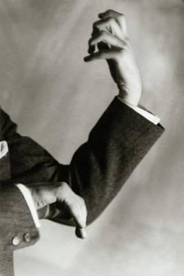 Gesture Photograph - Jascha Heifetz' Hands by Francis Bruguiere