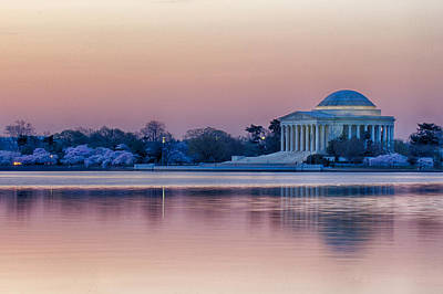 Photograph - Jefferson Memorial At Sunrise by Leah Palmer