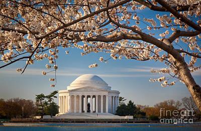 Flower Memorial Photograph - Jefferson Memorial by Inge Johnsson