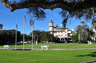 Photograph - Jekyll Island Hotel by Peter DeFina
