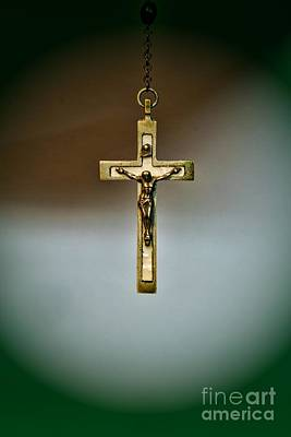 Redeemer Photograph - Jesus On The Cross 1 by Paul Ward