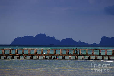 Photograph - Jetty People Of Bang Saphan by Nola Lee Kelsey