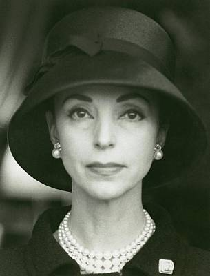Photograph - Gloria Guinness Wearing A Hat And Pearls by Henry Clarke