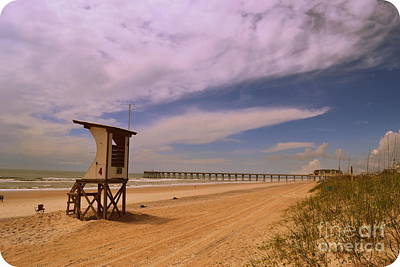 Wrightsville Beach Photograph - Johnnie Mercer Pier Beach by Amy Lucid