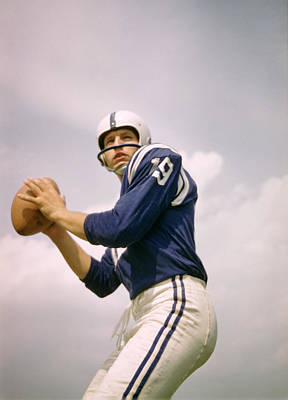 Football Photograph - Johnny Unitas Drops Back by Retro Images Archive