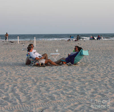 Photograph - Jones Beach Couples by John Telfer