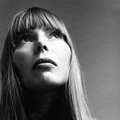 25-29 Years Photograph - Joni Mitchell by Jack Robinson