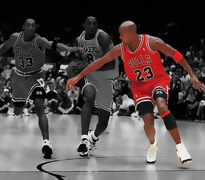 Patrick Ewing Digital Art - Jordan And Pippen Give Me That by Brian Reaves