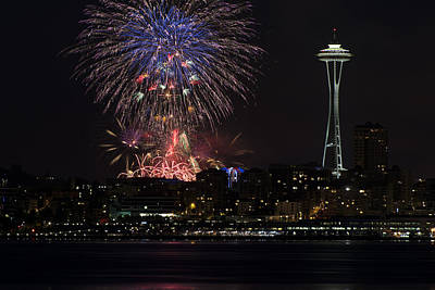 4th Of July 2013 Photograph - July 4th Fireworks In Seattle by Yoshiki Nakamura