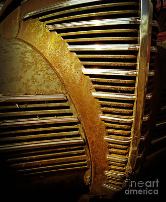 Junkers Photograph - Junker Car Grill by Edward Fielding