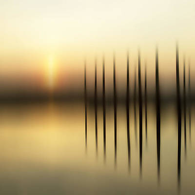 Sunset Abstract Photograph - Jury Of Piers by Bob Retnauer