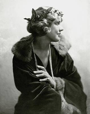 1920s Fashion Photograph - Justine Johnstone Wearing A Laurel Wreath by Geisler & Andrews