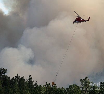 Print featuring the photograph K-max Helicopter On Myrtle Fire by Bill Gabbert