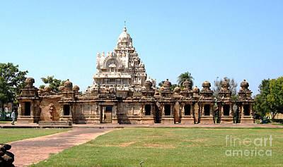 Painting - Kailasanathar Temple-kanchipuram by Ragunath Venkatraman