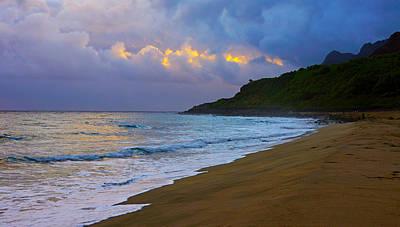 Kalalau Beach Photograph - Kalalau Beach Dawn  by Kevin Smith