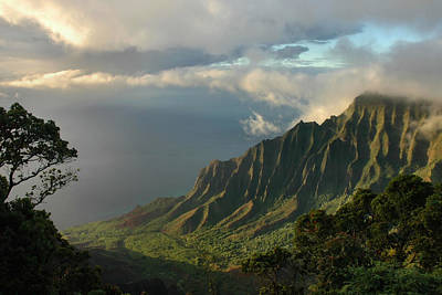 Photograph - Kalalau Lookout At Sunset by Stephen  Vecchiotti