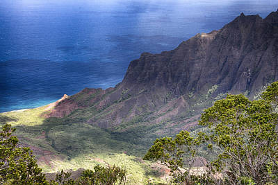 Outlook Photograph - Kalalau Outlook V3 by Douglas Barnard