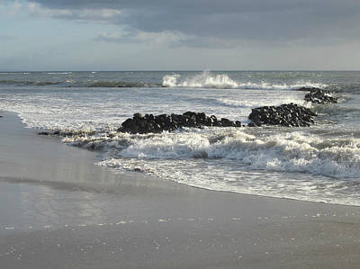 Photograph - Kalepolepo Beach Waves by Marilyn Wilson