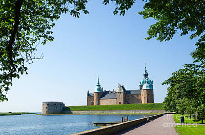 Photograph - Kalmar Medieval Castle by Kennerth and Birgitta Kullman